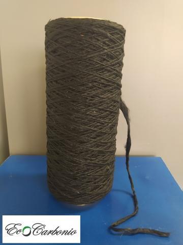 uno dei prototipi di filato in fibra di carbonio da riciclo sviluppato in EcoCarbonio